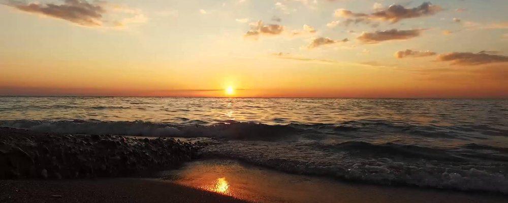 Закат на море в Гагре