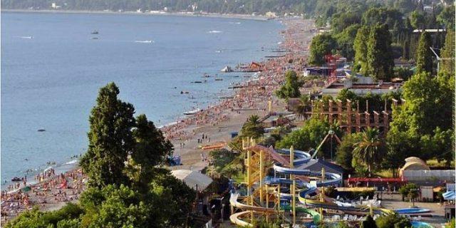 Заур Бганба: Основной поток туристов в Абхазии приезжает в Гагрский район