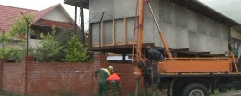 Гагрский филиал РУП Черноморэнерго проводит работы по замене устаревших электростолбов и проводов