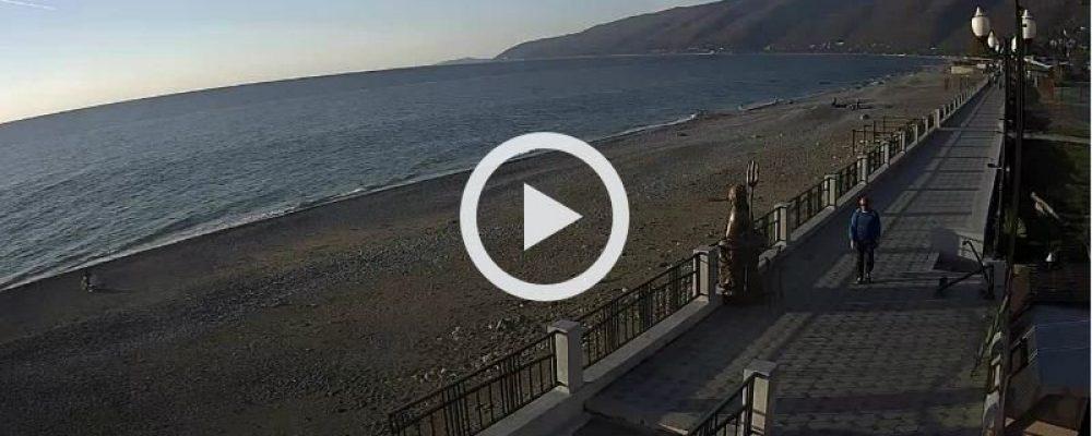 Веб-камера в Гагре. Центральный пляж