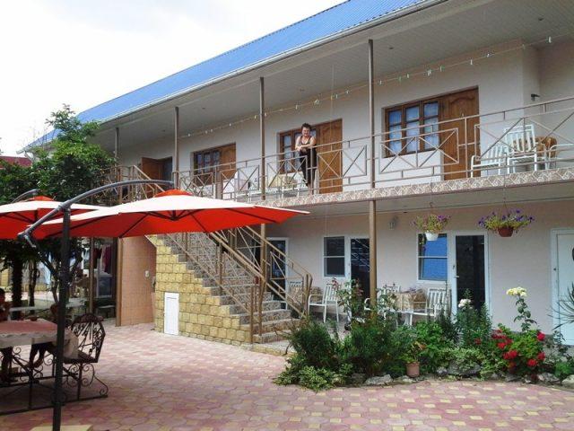 «Анжела»- гостевой дом в Гагре — Частный сектор Гагры