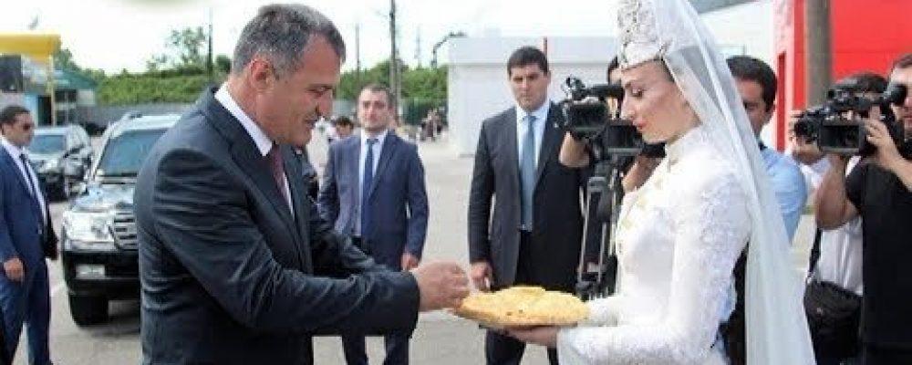 Президент Южной Осетии Анатолий Бибилов с официальным визитом побывал  в Абхазии
