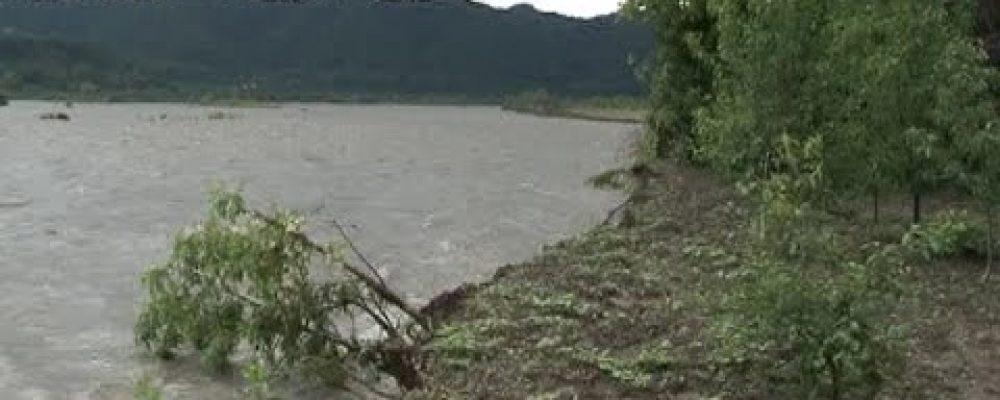 В ночь с 10 на 11 мая река Бзыпь вышла из берегов и нанесла ущерб близлежащим домам